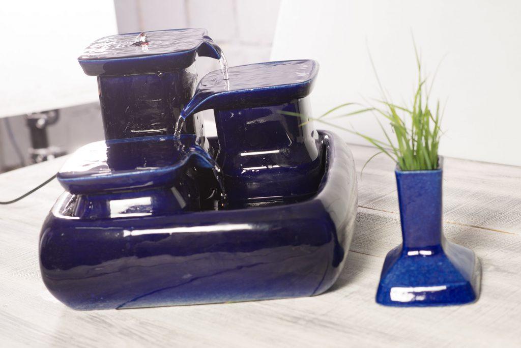 Les avantages de la fontaine à eau pour chat en céramique et de l'herbe à chatMiaustore