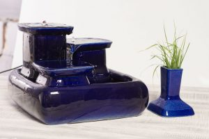 Cat water fountain with cat grass holder